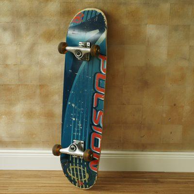 Skateboard blau