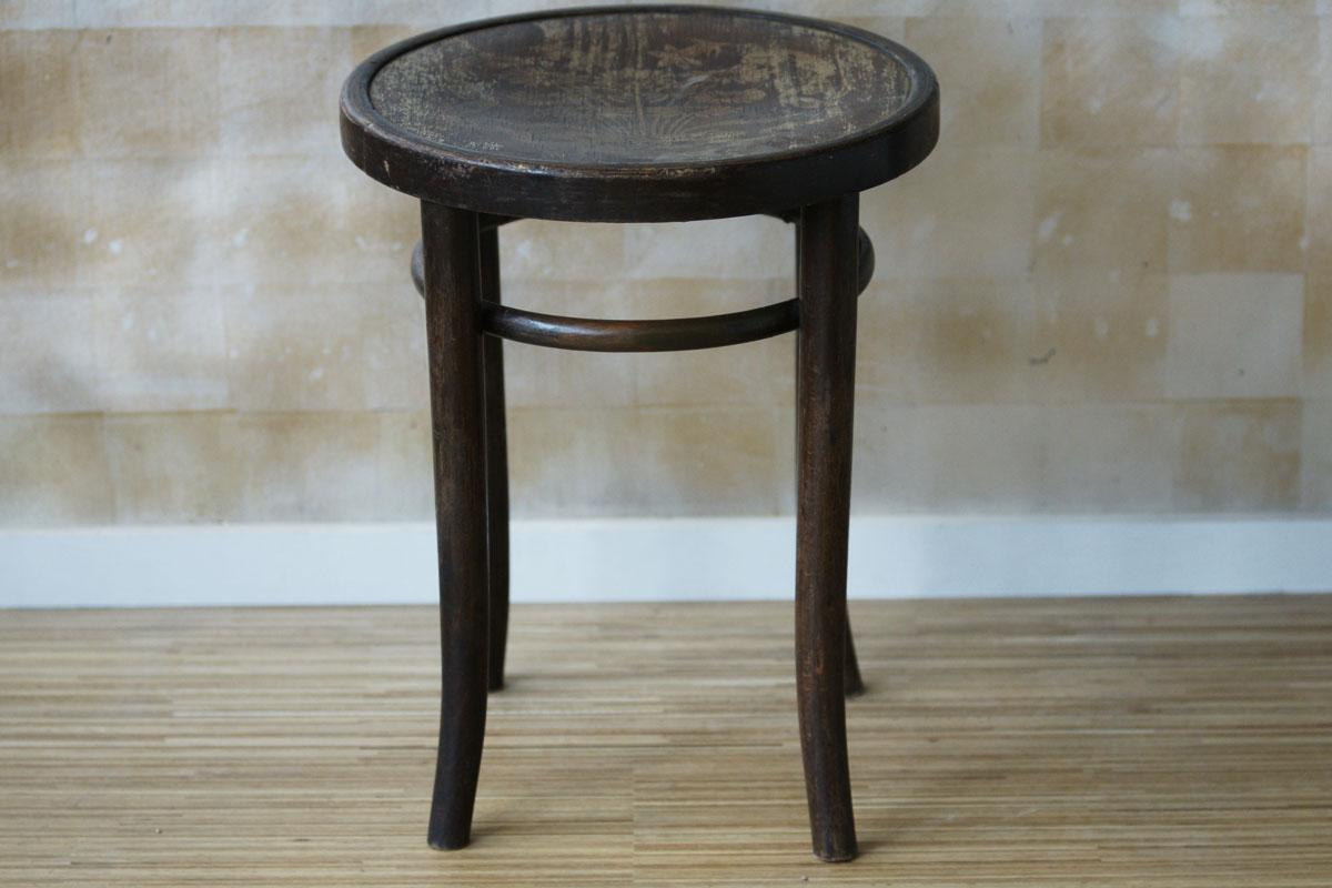thonet hocker klassiker co. Black Bedroom Furniture Sets. Home Design Ideas
