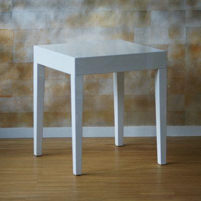 Tisch weiß klein