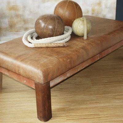 Turn-Tisch Leder