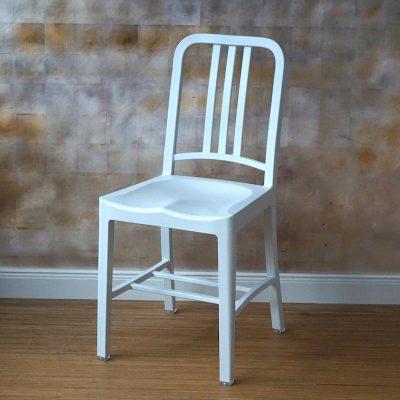Navy_Chair_weiss