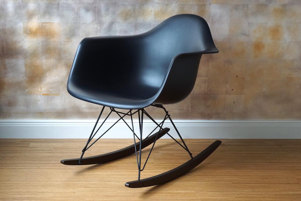 vitra rar schaukelstuhl winter special klassiker co. Black Bedroom Furniture Sets. Home Design Ideas