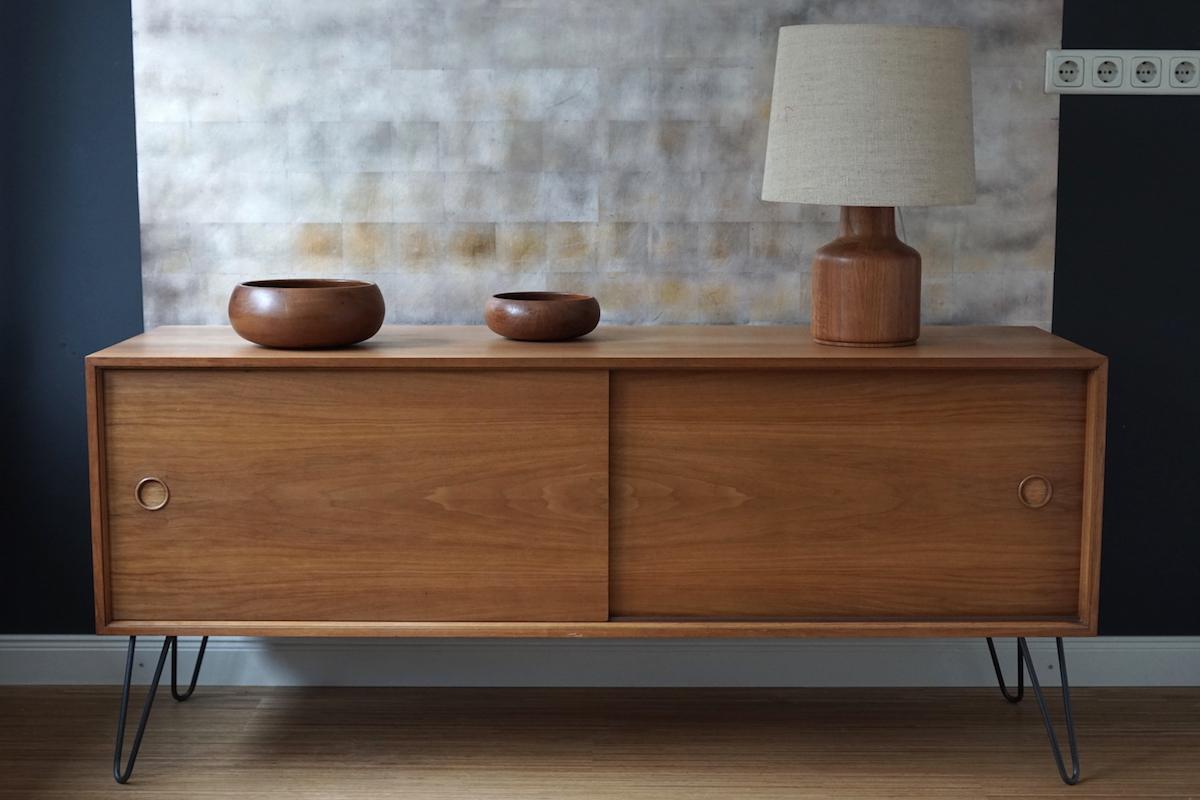 teakholz sideboard klassiker co. Black Bedroom Furniture Sets. Home Design Ideas